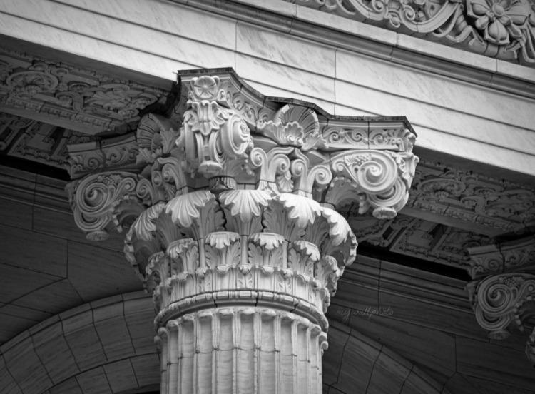 Corinthian column2
